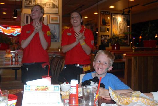 singing-at-red-robin.jpg